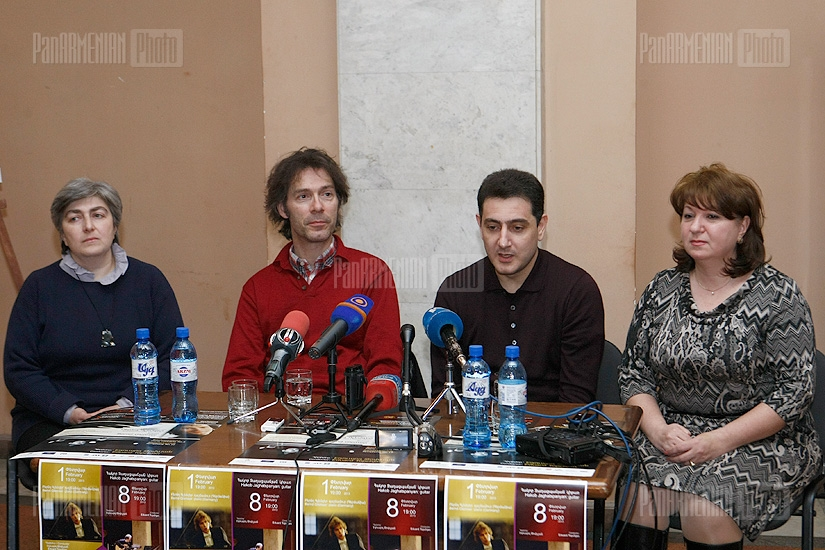 Press conference of pianist Bernd Glemser and conductor Eduard Topchan