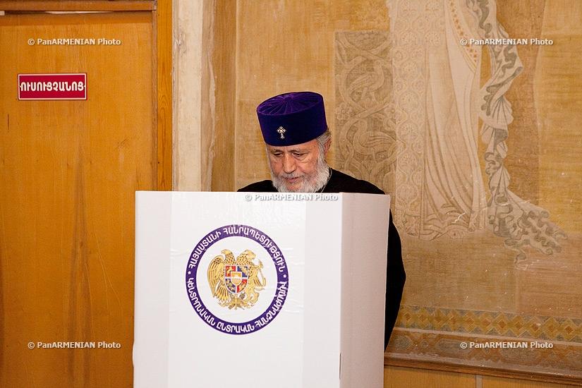 Elections 2013: Catholicos of All Armenians Karekin II votes