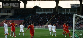 Armenian national football team played a friendly match with the country's junior team