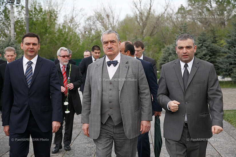 Minister of Foreign Affairs of the Czech Republic Karel Schwarzenberg visited Armenian Genocide memorial