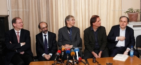 Press conference of Vienna Philharmonic Orchestra conductor Michael Tilson Thomas and pianist Yefim Bronfman.