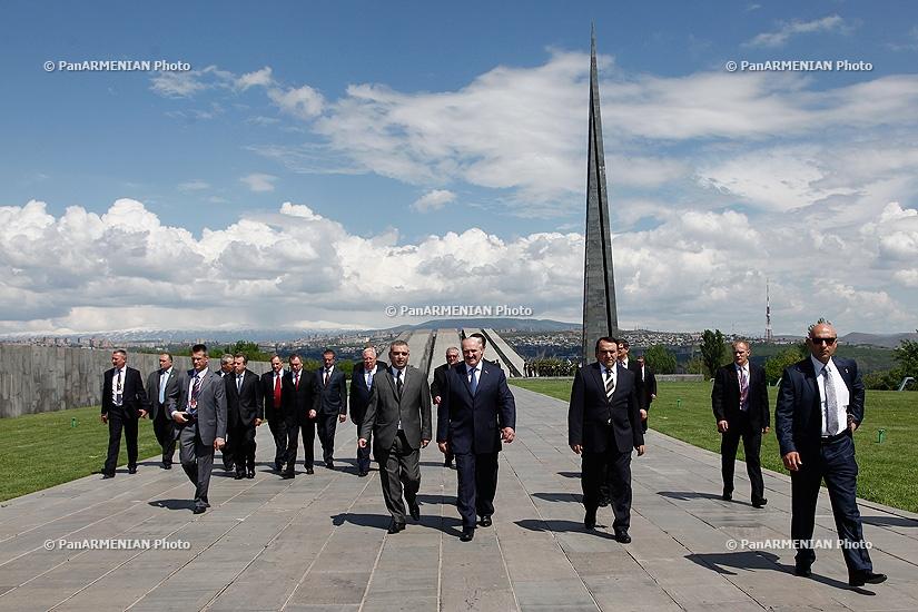 President of Belarus Alexander Lukashenko visited Tsitsernakaberd