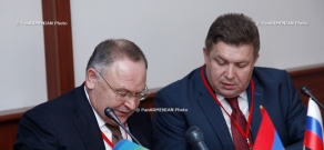 Agreement of cooperation signed between commerce and industry chambers of Yerevan and Leningrad
