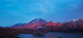 Armenian landscapes: Azat reservoir, Ararat Province