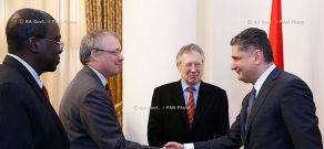 RA Govt.: Prime minister Tigran Sargsyan receives World Bank Yerevan Office head and ambassadors of U.S., Great Britain and Germany