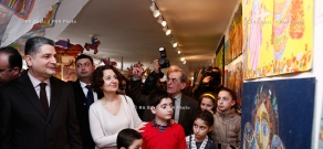 RA Govt.: Prime minister Tigran Sargsyan participates in youth exhibition at the National Center of Aesthetics