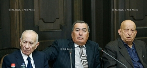 RA Govt.: Prime minister Tigran Sargsyan receives Armenian Public Council members, led by Council Chairman Vazgen Manukyan