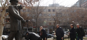 Wreath-laying  in memory of prominent Armenian benefactor Alexander Mantashyan
