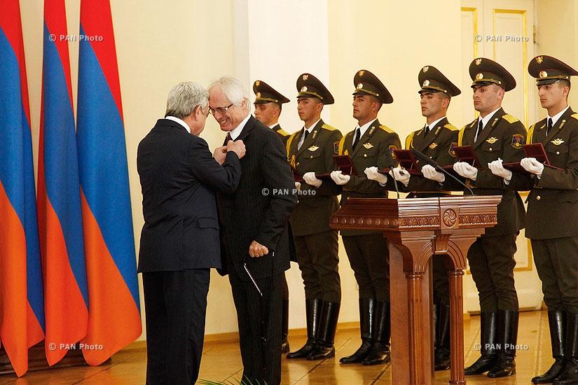 Президент Армении Серж Саргсян вручил государственные награды за 2013 год