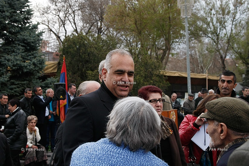 Heritage party leader Raffi Hovannisian's rally on Freedom Square