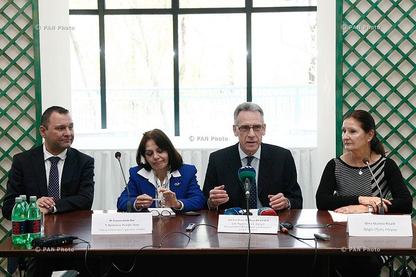 Пресс-конференция дочки и внука Поля Рикара, основателя компании Pernod Ricard и  посла Франции в Армении Анри Рено