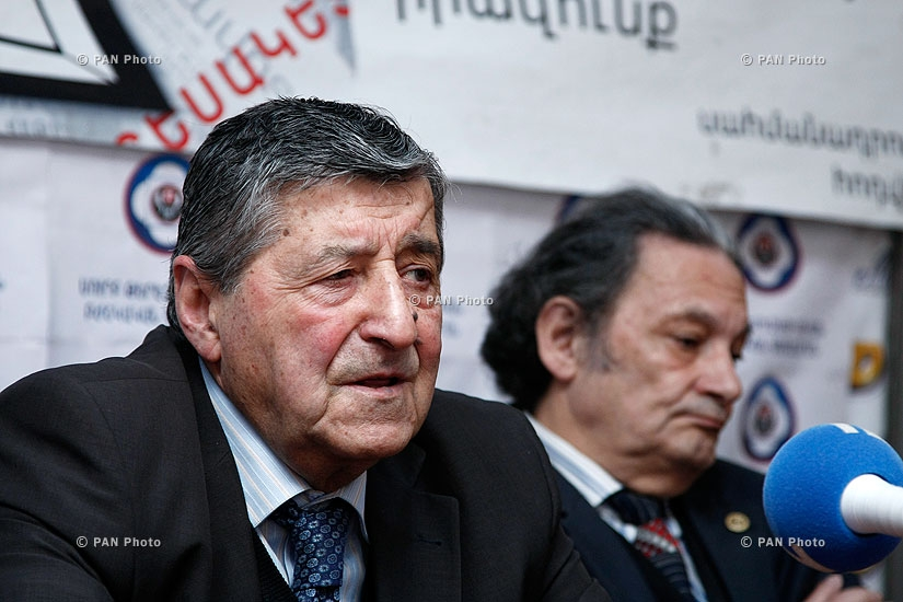 Press conference of political scientist Arshak Sadoyan and sociologist Aharon Adibekyan