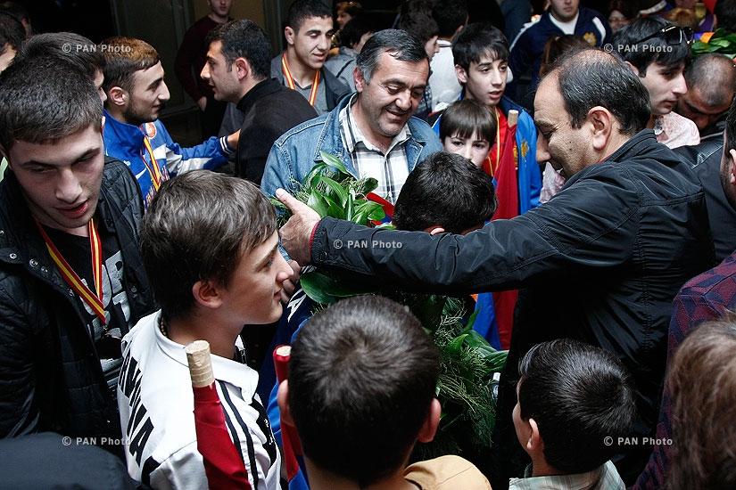 Armenian sambo youth team arrives in Yerevan