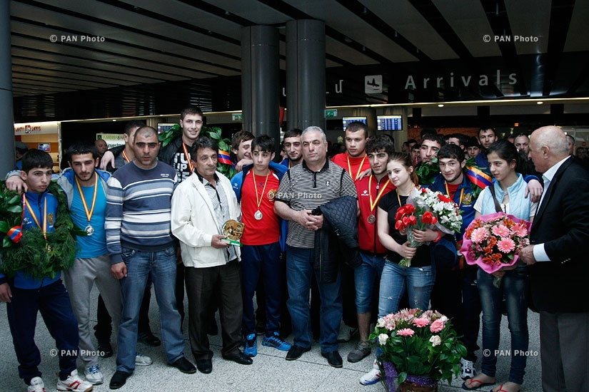 Armenian sambo youth team arrives in Yerevan