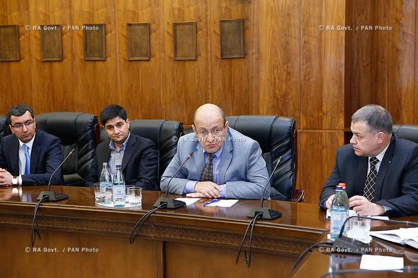 RA Govt.: Prime minsiter Hovik Abrahamyan receives representatives of information technology (IT) sector