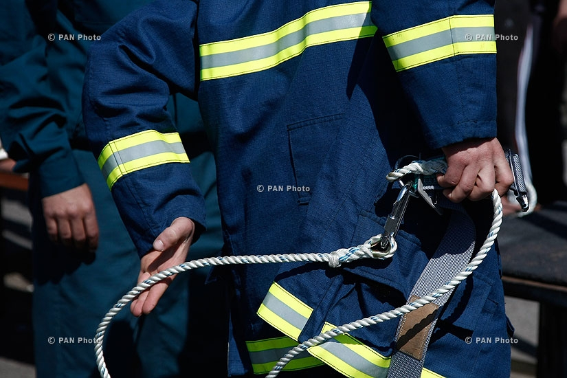 First republican competition among young firemen of the Armenian Emergency Ministry