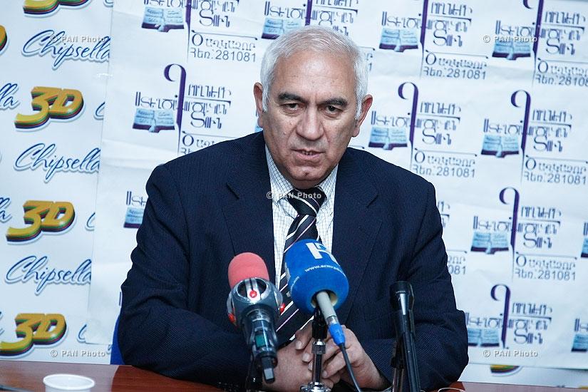 Пресс-конференция директора Историко-культурного научно-исследовательского центра Армении Акопа Симоняна