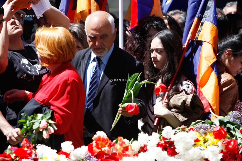Commemoration ceremony of Genocide victims at Armenian Genocide Memorial