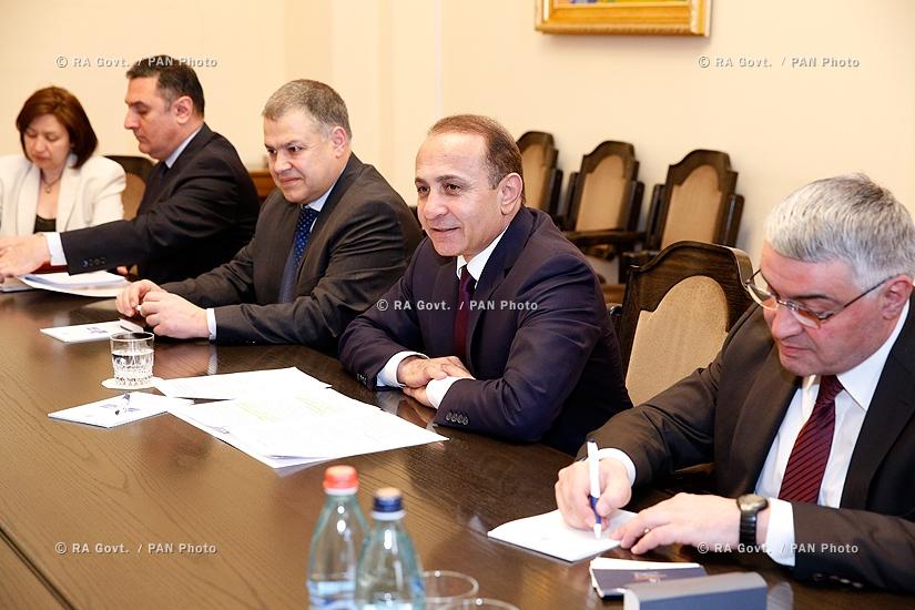 RA Govt.: Prime minister Hovik Abrahamyan receives U.S. Congressional delegation