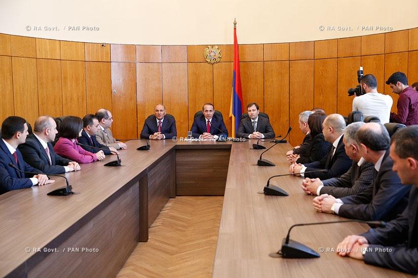 Правительство РА: Премьер-министр Овик Абрамян представил новоназначенного Министра финансов РА Гагика Хачатряна