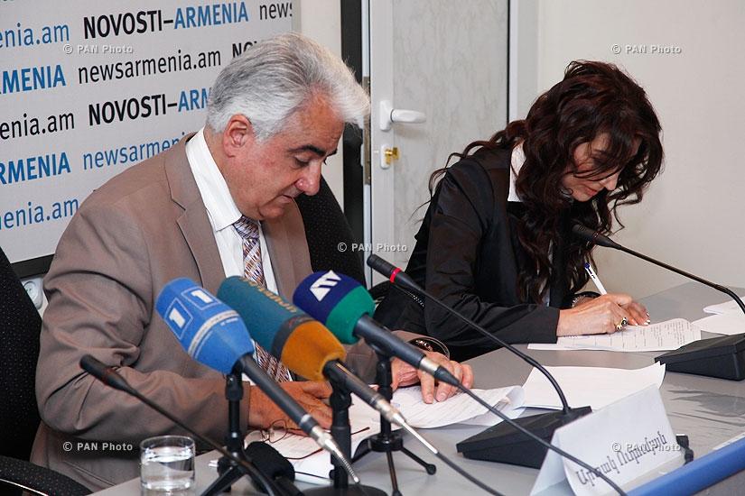 Вице-президент AJA Артак Удумян и заместитель министра экономики Тигран Арутюнян подписали соглашение и дали пресс-конференцию