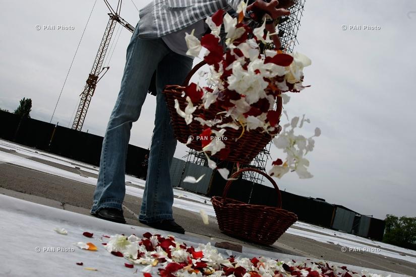 Сбор цветов в Цицернакаберде