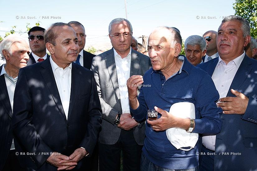 RA Govt.: PM Hovik Abrahamyan and Minister of Agriculture Sergo Karapetyan visit Ararat province