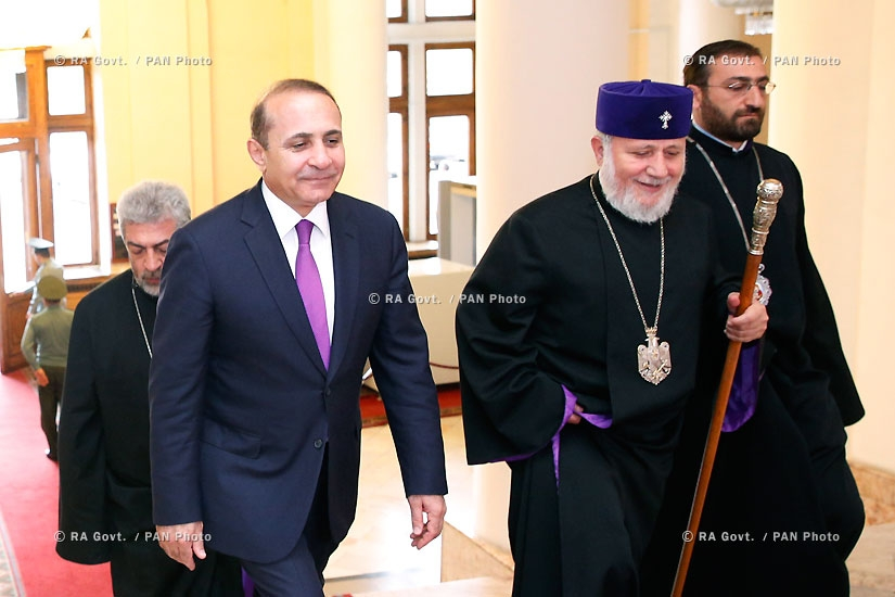 RA Govt.: PM Hovik Abrahamyan receives Catholicos of All Armenians Karekin II