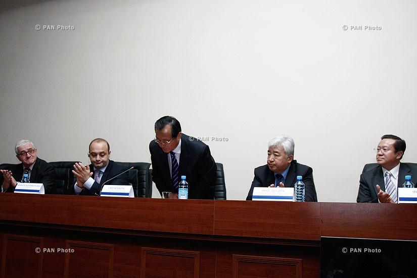 Չինաստանի Սինձյան արտադրաշինարարական կորպորացիայի ներկայացուցիչների մամուլի ասուլիսը