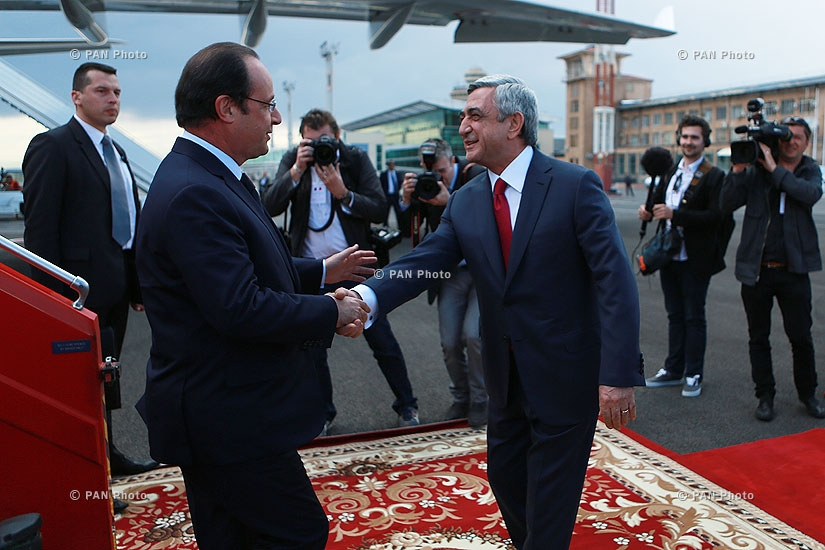 President of France François Hollande arrivies in Yerevan