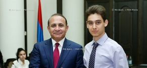 RA Govt.: PM Hovik Abrahamyan congratulates the winners of the Republican Olympiad in 2013-2014 academic yea