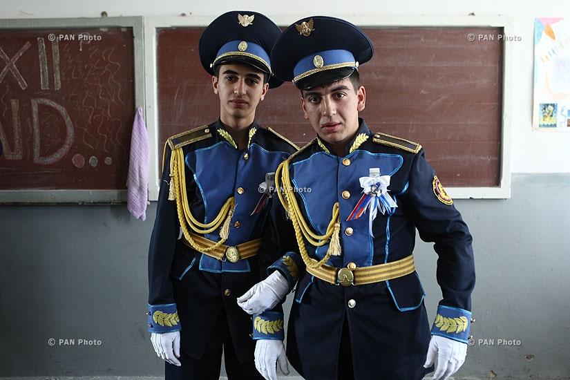 Выпускная церемония школьников Армавирской военно-спортивной специальной гимназии имени Тиграна Меца