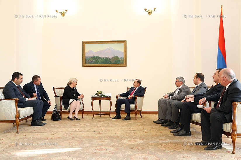 RA Govt.: PM Hovik Abrahamyan receives the newly appointed ambassador of Latvia to Armenia Elita Gavele
