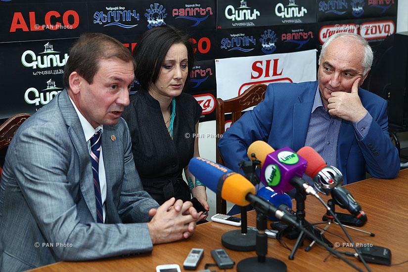 Press conference of  Armenia's Democratic Party head Aram Sargsyan and Artak Davtyan (RPA)