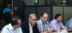 Обсуждение на тему «Вызовы существованию Армении в свете новых развитий Евразийского союза»