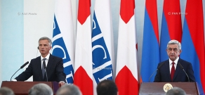 Совместная пресс-конференция президента Армении Сержа Саркисяна и президент Швейцарии Дидье Буркхальтера