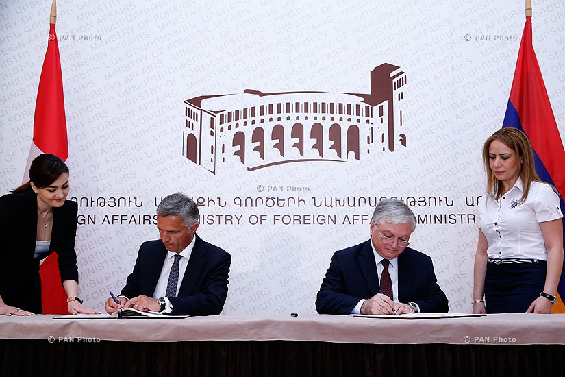 Armenian Foreign minister Edward Nalbandyan and President of Switzerland Didier Burkhalter sign memorandum of understanding