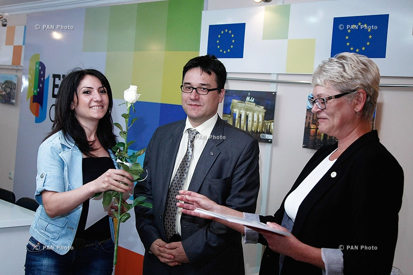 Awarding of certificates to participants of EU in Armenia club 2nd training course