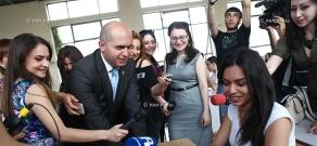Стартовал единый экзамен по армянскому языку и литературе