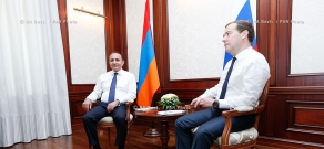 RA Govt.: Armenian PM Hovik Abrahamyan meets with Russian counterpart Dmitry Medvedev in Sochi