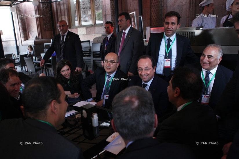 Президента Франции Франсуа Олланд после армяно-французского бизнес-форума
