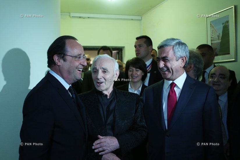 Ֆրանսիայի նախագահ Ֆրանսուա Օլանդը, ՀՀ նախագահ Սերժ Սարգսյանը և Շառլ Ազնավուրը համերգից հետո