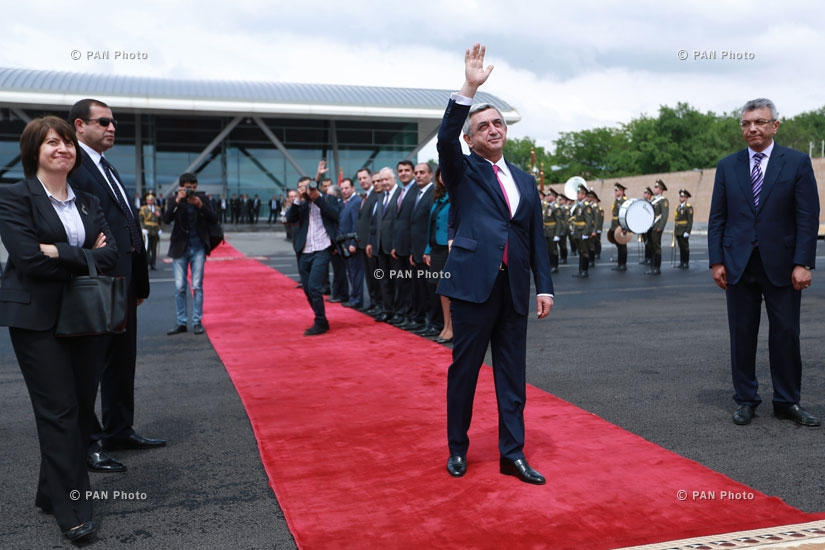 Церемония прощания с президентом Франции Франсуа Олландом