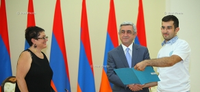 President Serzh Sargsyan meets with