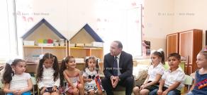 Правительство РА: Премьер Овик Абрамян принял участие в открытии новопостроенных школ города Масис и Вардашена