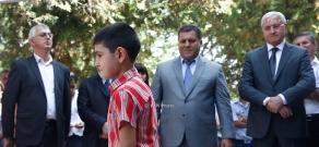 Министр сельского хозяйства Серго Карапетян посетил школу общины Айгепар