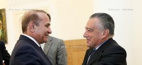 RA Govt.: PM Hovik Abrahamyan receives Argentine-Armenian Businessman Eduardo Eurnekian
