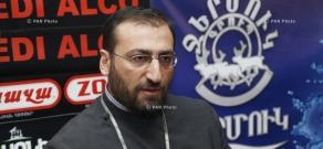 Press conference of Archbishop Arshak Khachatryan
