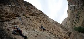 Скалолазание в Адском ущелье