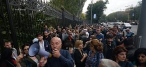 Առևտրականների ցույցը ԱԺ շենքի դիմաց